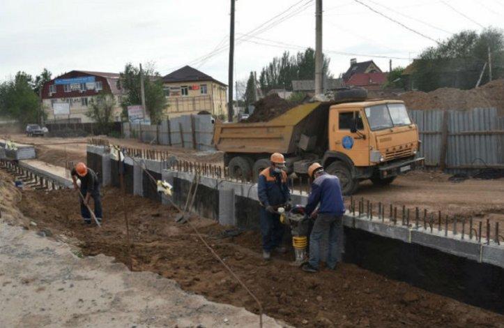 Власти Астрахани внимательно следят за ремонтом Милицейского моста