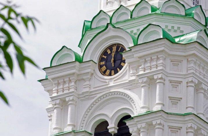 Куранты Астраханского кремля встали в ожидании мастера