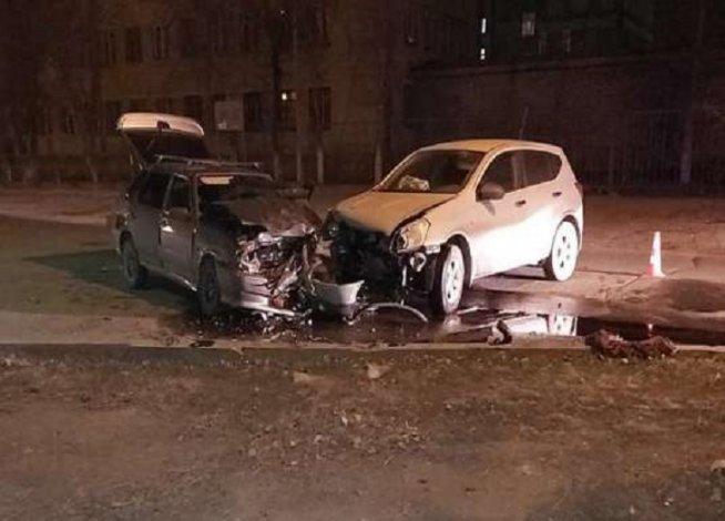 В центре Астрахани в ДТП пострадали двое водителей
