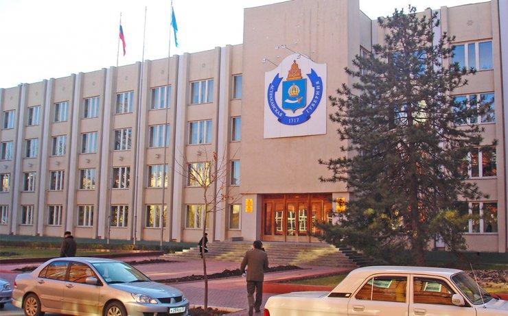 В коридорах власти Астрахани избавятся от старья