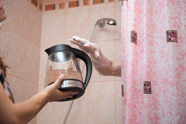 Отключение горячей воды в Астрахани отложили