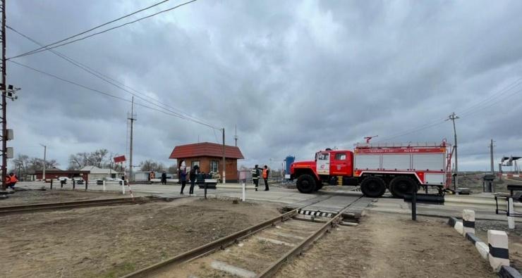 На железнодорожном переезде в Верхнем Баскунчаке прошёл мастер-класс для водителей