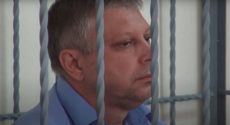 Власти требуют с астраханского экс-министра ЖКХ Кучумова возместить вред