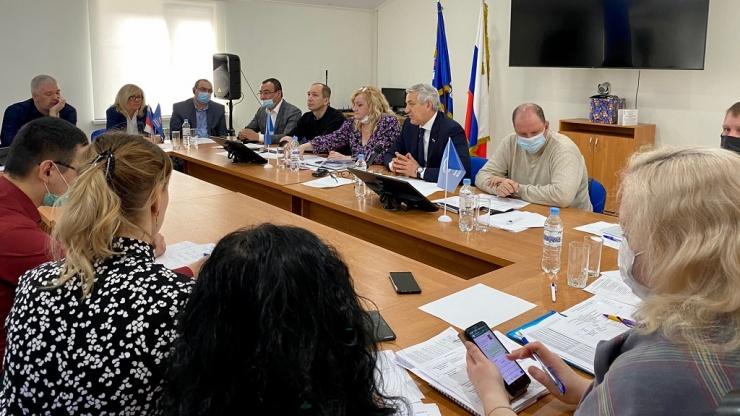 «ЭкоЦентр» и депутаты Госдумы провели серию встреч с дачниками