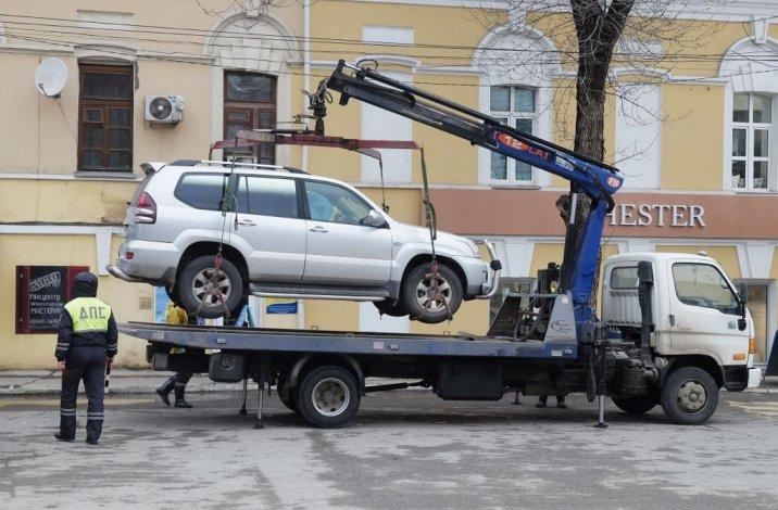 В Астрахани при помощи админресурса пытаются прекратить работу службы эвакуации автомобилей