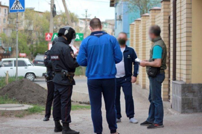 Торговец астраханского рынка наказан за работу без маски