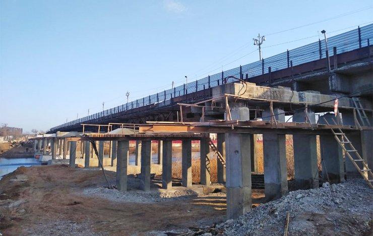 Милицейский мост в Астрахани не ремонтируется