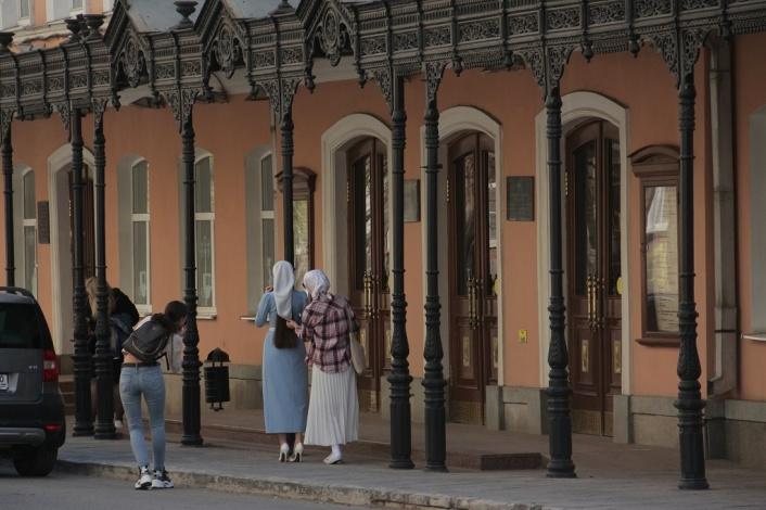 Астраханский драмтеатр приглашает на фестиваль премьер