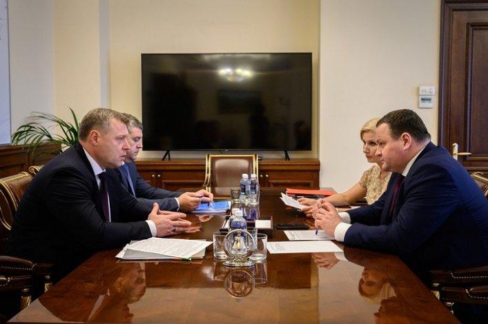 Губернатор обсудил на федеральном уровне строительство социальных объектов в Астрахани