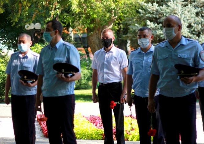 Астраханские полицейские вспоминают погибших товарищей