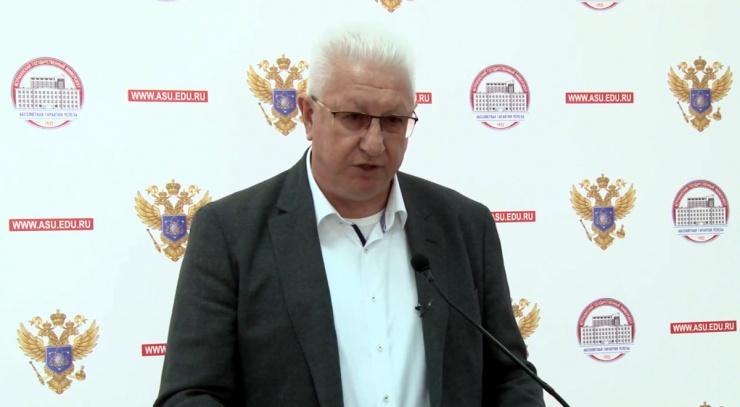 Константин Маркелов рассказал, из чего готовит настоечку