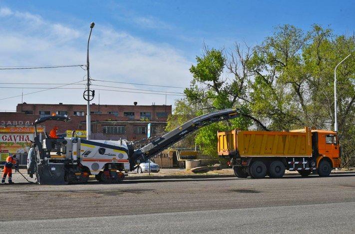 В Астрахани ремонтируют дороги