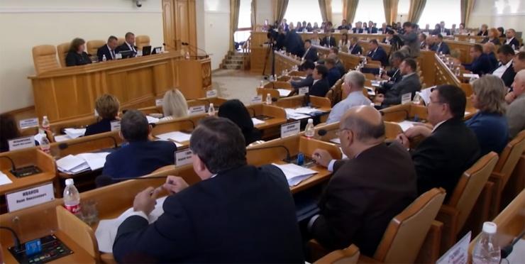 Шеина исключили из астраханского молодежного парламента