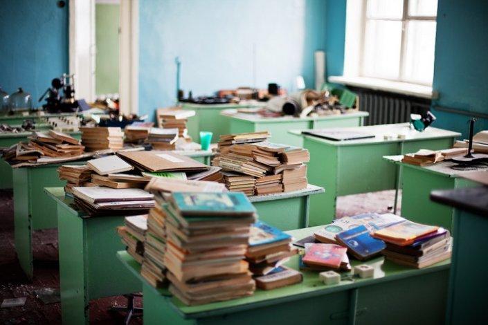 Власти ликвидируют астраханскую школу