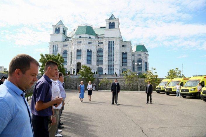 В Астраханской области появились десять новых реанимобилей