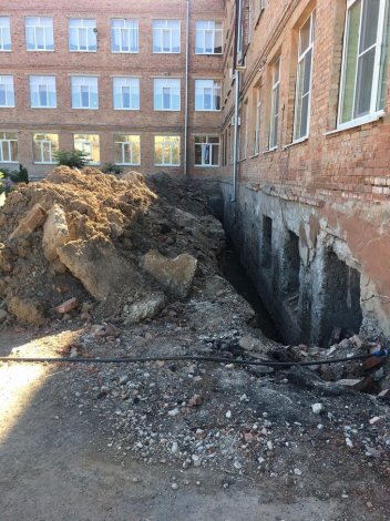 В Астрахани возобновят ремонт школы №14