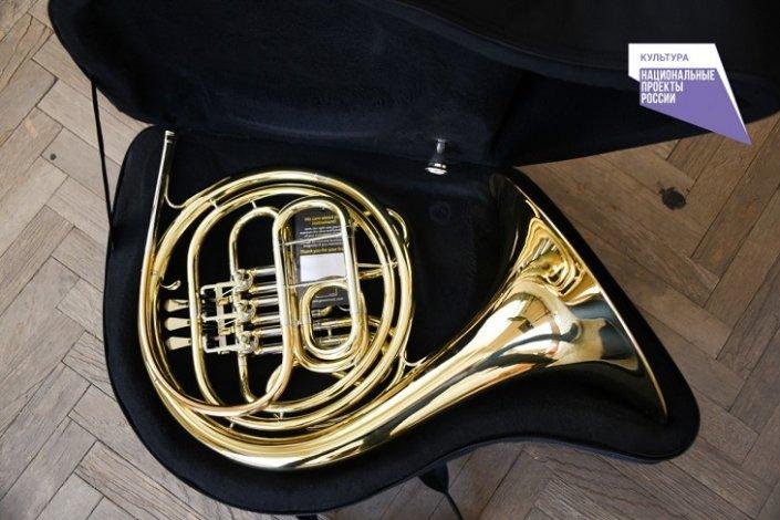 На оснащение астраханского музыкального колледжа потратили миллионы рублей
