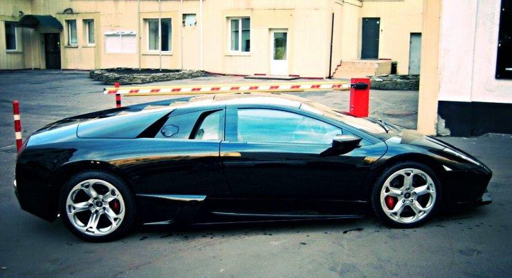 Астраханцы поделились фото редких авто на городских улицах