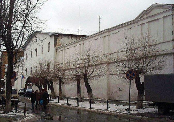 Убийство на Свердлова: в СИЗО отправляют зарезавшую мужчину астраханку
