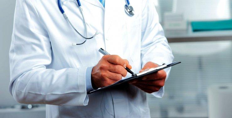 Астраханцев призывают помочь врачам