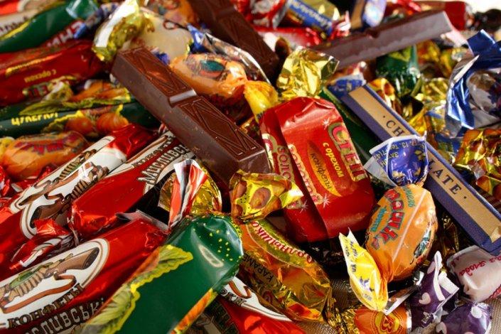 Просроченные сладости радовали на новый год астраханскую детвору