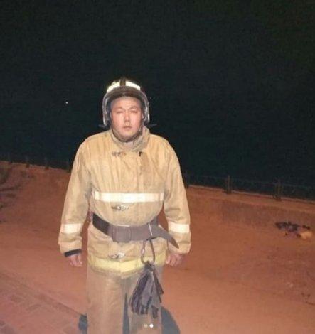 Астраханский пожарный спас тонущего человека