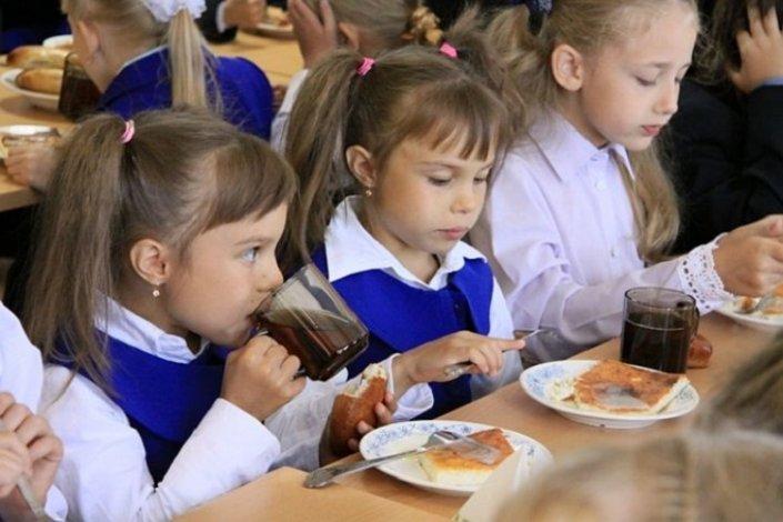 В школах Астрахани выявлены нарушения организации питания