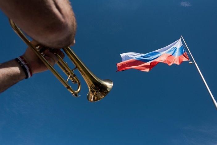 Сегодня в Астрахани отмечают День флага. Будет концерт