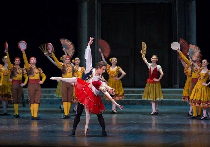 Балетная труппа и оркестр АГТОиБ ненадолго вернутся в Астрахань