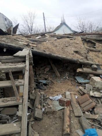 33-летний астраханец погиб под обломками обрушившегося одноэтажного дома