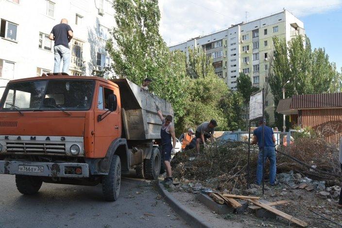Власти Астрахани продолжают борьбу с незаконными свалками