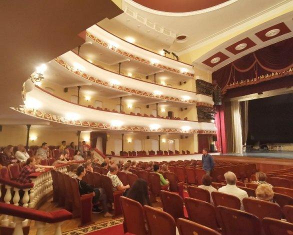 Астраханский драмтеатр уверенно вошёл в новый сезон