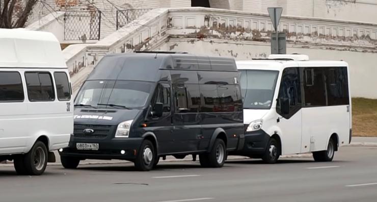В астраханском микрорайоне Бабаевского арестовали маршрутку