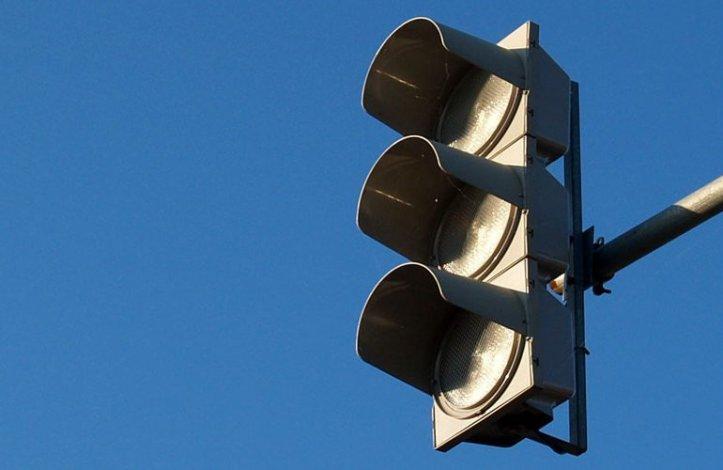 Из-за сломанного в Астрахани светофора бьются машины, страдают люди
