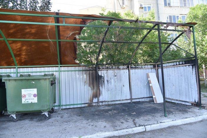 Астраханские вандалы продолжают вредить городу