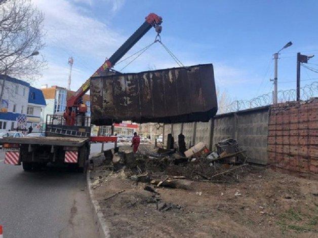В Астрахани незаконные гаражи покинули Комсомольскую набережную