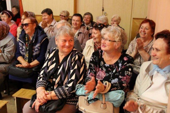 В Астраханской области продолжаются мероприятия, приуроченные ко Дню пожилых людей