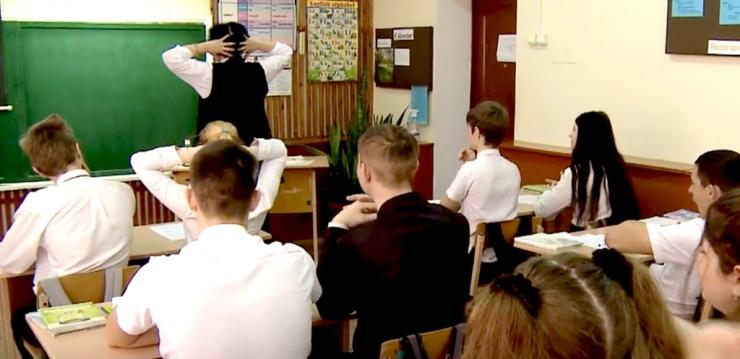 Программа «Земский учитель» продлена в Астраханской области до 1 июня