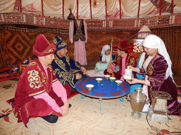 Астраханский культурный центр имени Курмангазы отметил пятнадцатилетие