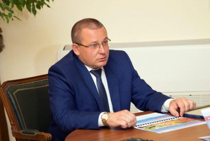 В Черноярском районе на выборах главы лидирует Дмитрий Заплавнов