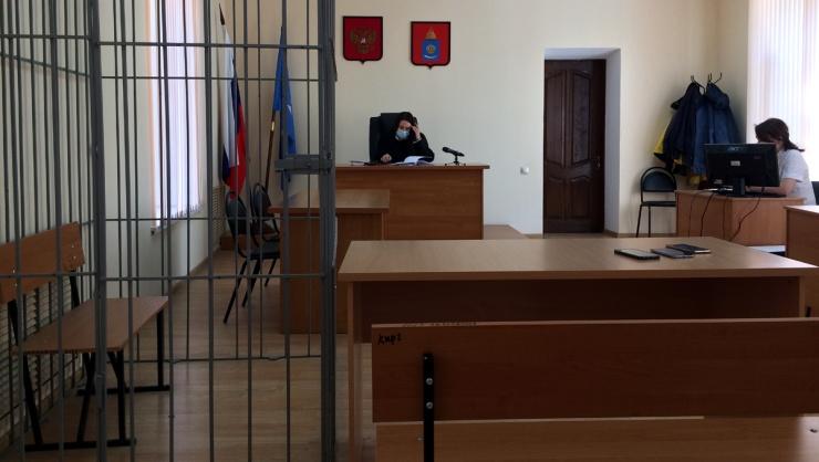 Суд на астраханским депутатом Ворохом отложен из-за ухудшения его здоровья