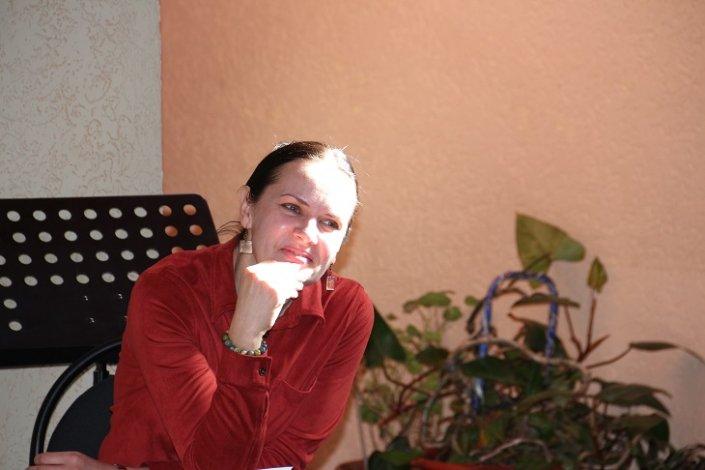 Астраханскую актрису наградили памятным знаком