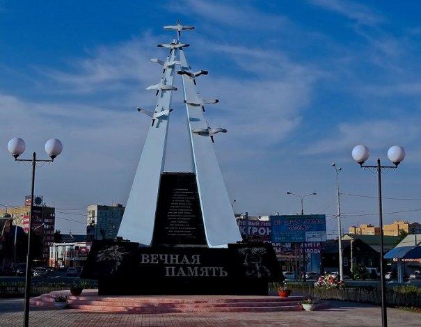 В канун Дня Победы в Астрахани благоустраивают места воинской славы