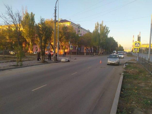 На улице Яблочкова машина сбила пенсионерку