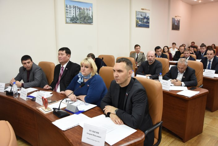 Городские депутаты рассмотрели протест прокуратуры