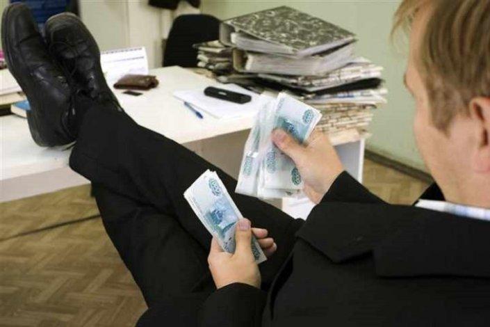 В Володарском районе разворовали бюджетные средства
