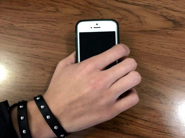 У астраханца украли смартфон на свидании