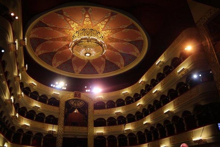 В самом большом театре Астрахани творческий процесс продолжается