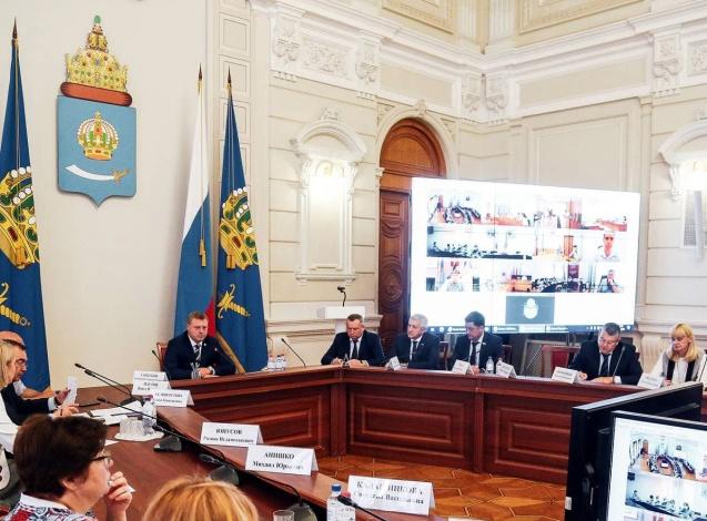 Губернатор Игорь Бабушкин акцентировал внимание глав муниципалитетов на соцсетях и кредитах