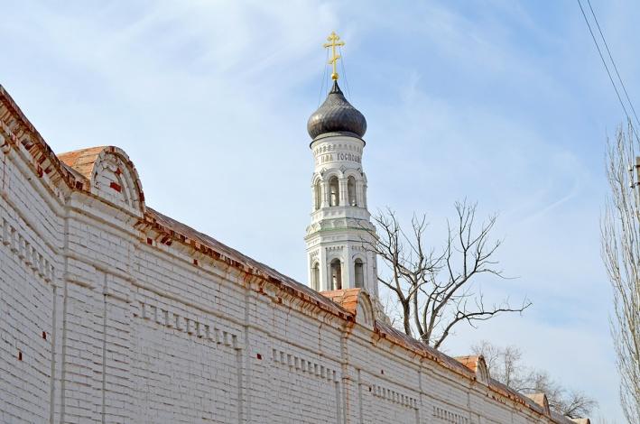 В Благовещенском Новодевичьем монастыре Астрахани прошла первая литургия